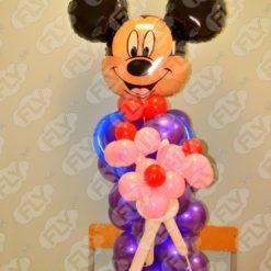 Фигура Микки Маус с цветами